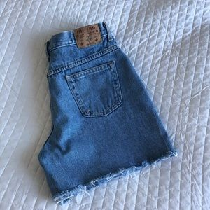 Vtg high waisted jeans shorts made in 🇨🇦